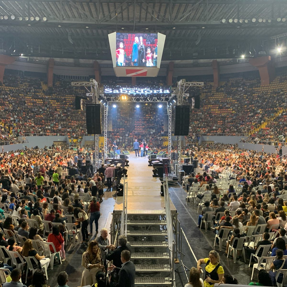 Escola de Sabedoria em Belém reúne milhares de cristãos no Mangueirinho